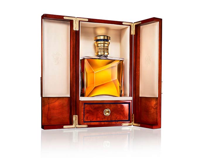 John Walker Sons Private Collection 1 - Johnnie Walker personalizado para presentear neste Natal