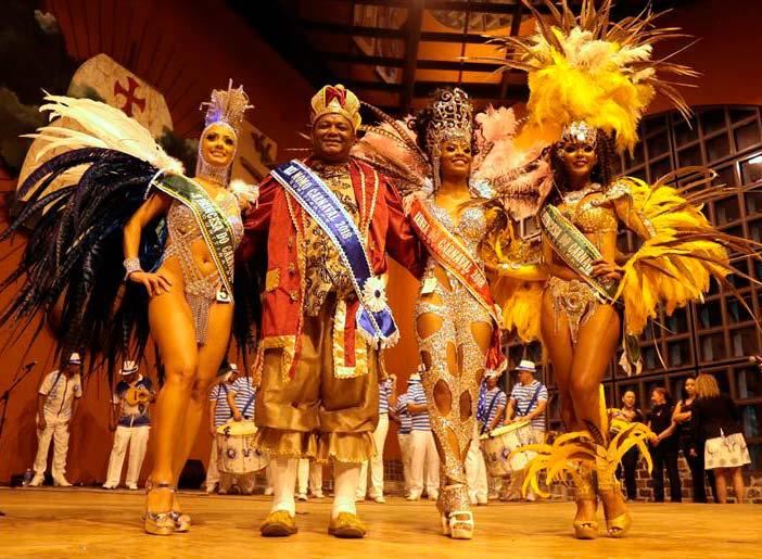 00217924 - Em Curitiba Rei Momo e Rainha do Carnaval são reeleitos