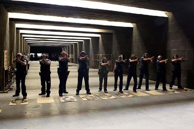 00218369 - Curitiba: Guardas municipais passam por curso de aperfeiçoamento