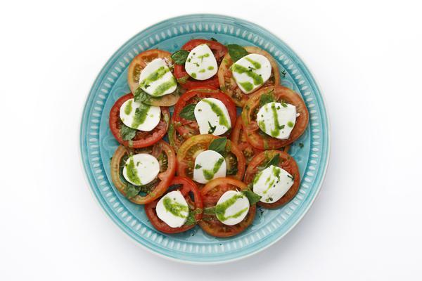 328478 757276 caprese web  - Viena Express oferece saladas que valem por uma refeição