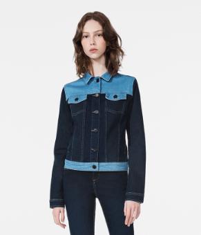 Calvin Klein Jeans e Underwear com descontos de até 50%   Revista News dda48668a5