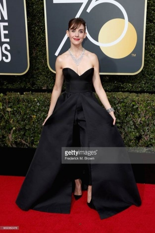 Alison Brie - Globo de Ouro:  Celebridades brilham com sapatos Christian Louboutin