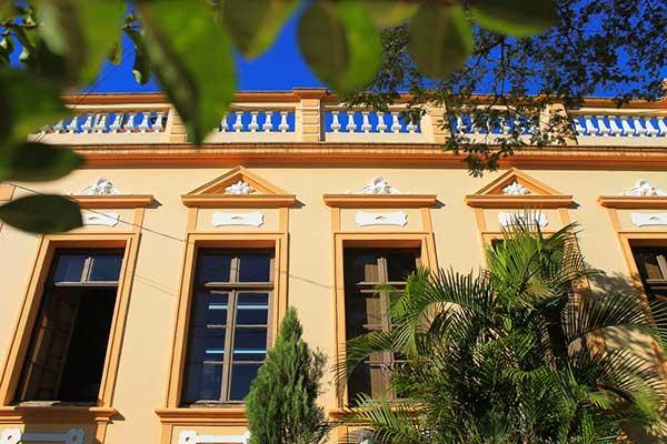 Biblioteca Pública Municipal Machado de Assis - Verão em Novo Hamburgo - Biblioteca Pública oferece dicas de leitura