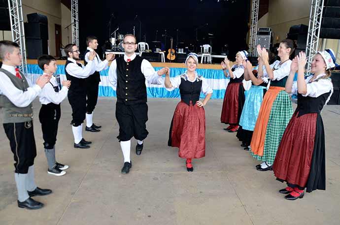 Danças alemãs - Atrações para toda a família no 2º Verão em Picada Café
