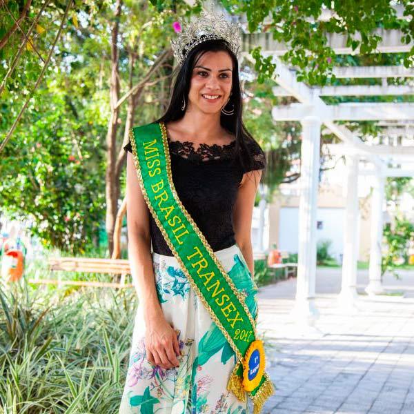 Desire Oliveira Canoas - Canoense é eleita Miss Brasil Transex 2017
