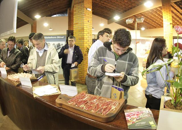 Embutidos de carne ovina 2 - Embrapa gaúcha criou bacon de carne de ovelha