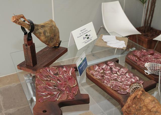 Embutidos de carne ovina 4 - Embrapa gaúcha criou bacon de carne de ovelha