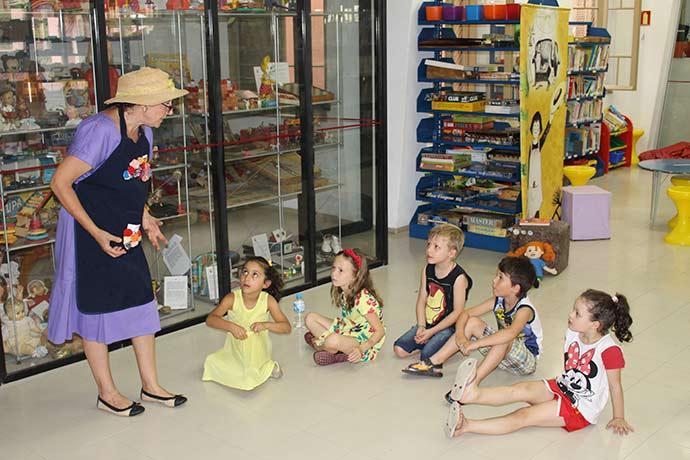 Férias de Verão com Píppi Meialonga - Crianças participam de oficina na Casa de Cultura Mario Quintana