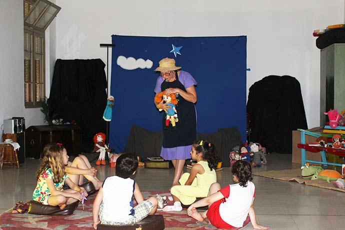 Férias de Verão com Píppi Meialonga1 - Crianças participam de oficina na Casa de Cultura Mario Quintana