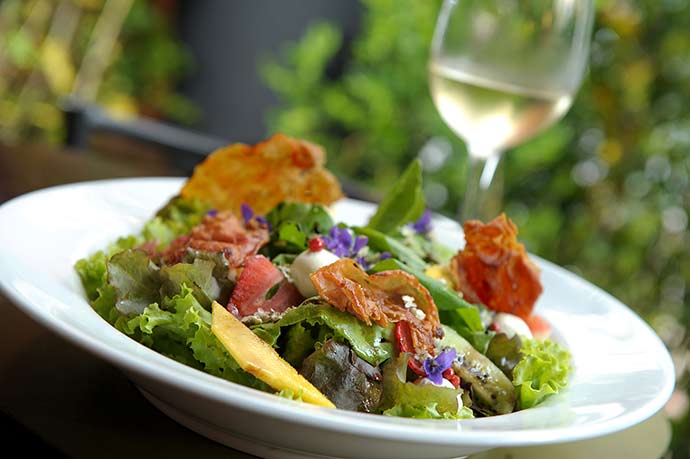 Insalata Frutti e Fiori 2 - Carlos Bertolazzi ensina a fazer salada de flores e frutas