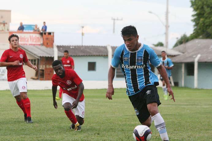Inter goleia Grêmio por 4 a 1 pela Copa Santiago 1 - Inter Sub-17 goleou Grêmio no primeiro clássico do ano