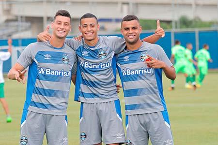 Jogo treino Grêmio e Avenida 1 - GRÊMIO EMPATA COM O AVENIDA EM JOGO-TREINO