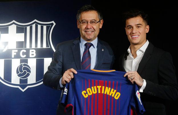 """Philippe Coutinho na assinatura do contrato com o Barcelona - Presidente do Barcelona: """"Assinamos com um dos melhores do mundo"""""""