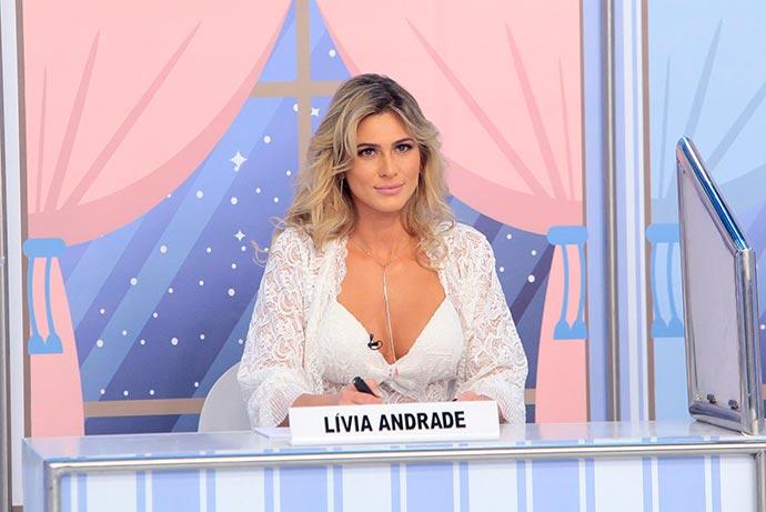 """Pontinhos Pijamas Livia Andrade Foto Lourival Ribeiro SBT 24 - Festa do Pijama é tema do """"Jogo dos Pontinhos"""" deste domingo"""
