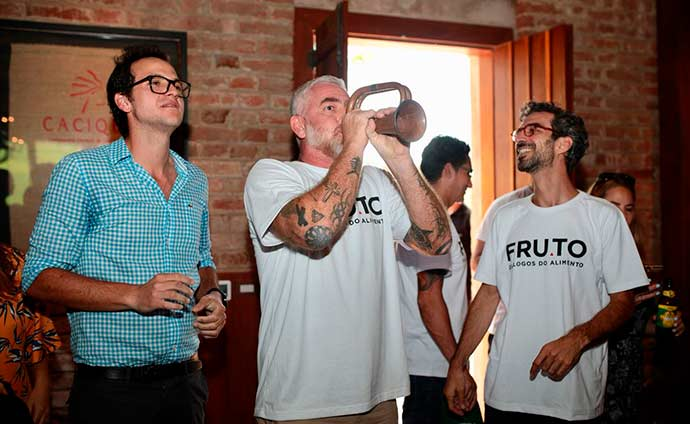 Rafael Coimbra Alex Atala Felipe Ribenboim 2 - Alex Atala e Felipe Ribenboim reúnem convidados na Fazenda Santa Julieta Bio
