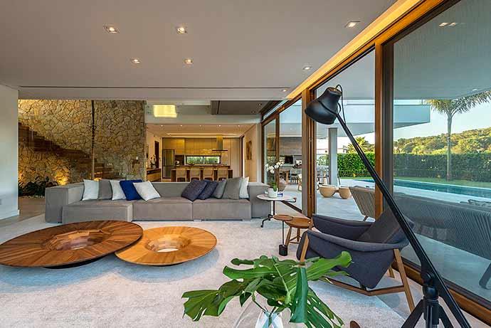 Ruschel Arquitetura2 - Ruschel Arquitetura assina projeto residencial em Jurerê Internacional