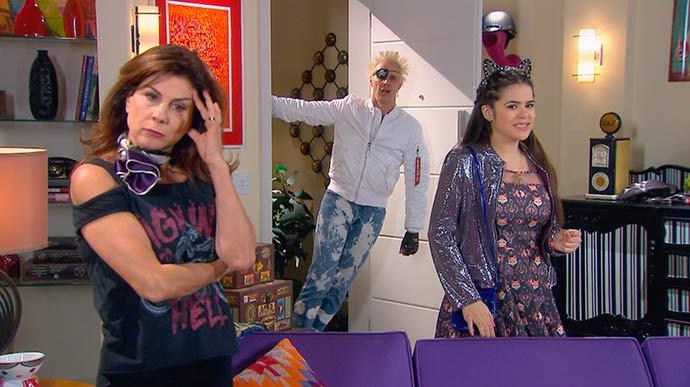 Tuca aparece no apartamento de Rosana 01 - Resumo dos capítulos de Carinha de Anjo (29.01 a 02.02)