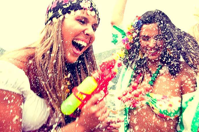carnaval - Dez dicas preciosas para proteger cabelos e pele durante o Carnaval