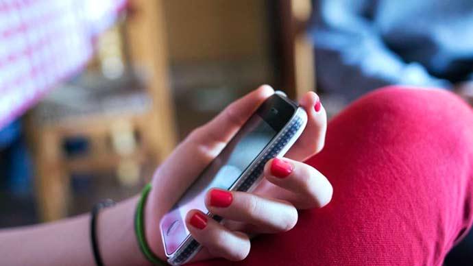 celular - Uma em cada quatro crianças já foi tratada ofensivamente na internet