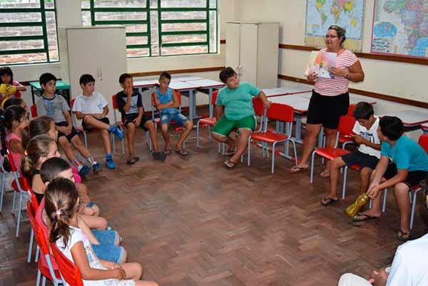 contação historias - Atividades educativas e recreativas vão agitar estudantes em Sapiranga