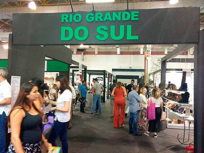 couromoda estande rs - Estande coletivo do RS na Couromoda vende 46.644 pares no primeiro dia