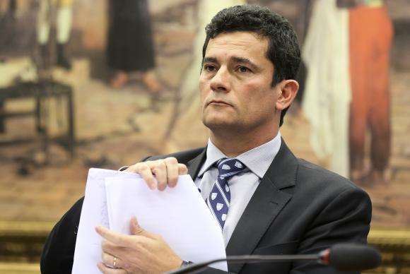 moro - Moro determina leilão público do triplex atribuído a ex-presidente