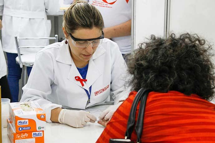truvada - Medicamento pré-exposição ao vírus HIV está disponível em Porto Alegre