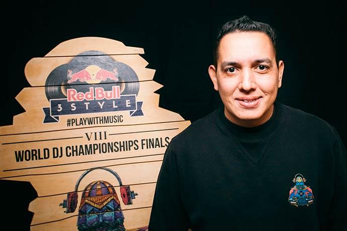 DJ sul mato grossense representa o Brasil em em batalha internacional de DJs - DJ Marquinhos Espinosa representa o Brasil em em batalha internacional de DJs