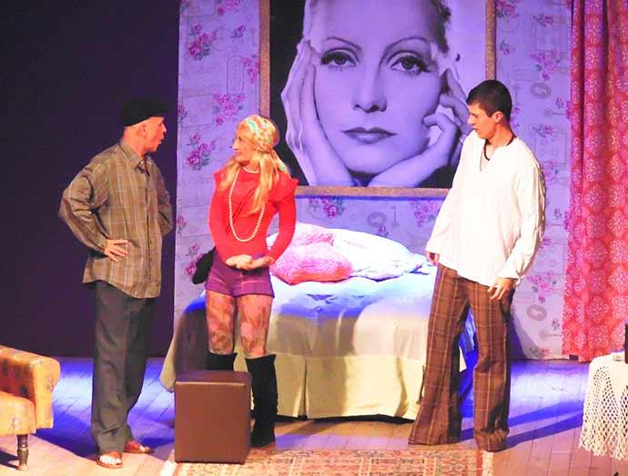 Espetáculo Greta Garbo  - Sábado é dia de teatro em Imbé