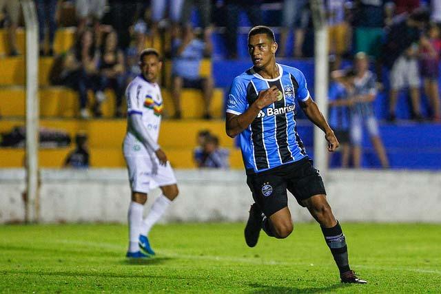 Grêmio perde para o Veranópolis 3 - GRÊMIO COM POUCO FUTEBOL É SUPERADO PELO VERANÓPOLIS