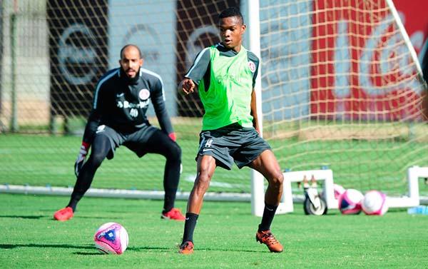 Inter vira sobre o Juventude e lidera o Gaúcho