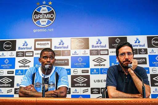 Maicosuel é apresentado no Grêmio 2 - Grêmio apresenta o meia Maicosuel
