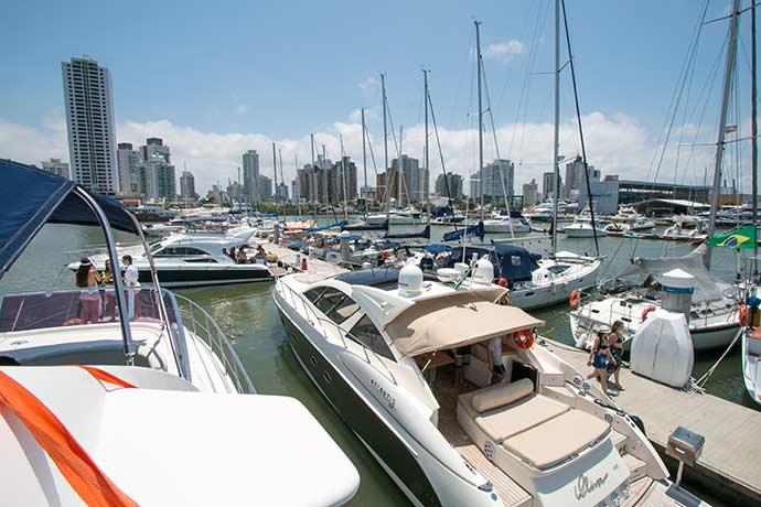 Marina Itajaí - Carnaval atrai navegadores para o litoral de Santa Catarina