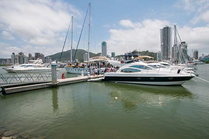 Marina Itajaí2 - Carnaval atrai navegadores para o litoral de Santa Catarina