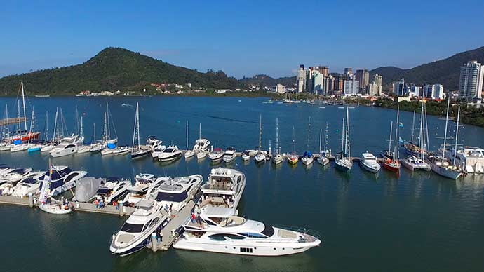 Marina Itajaí4 - Carnaval atrai navegadores para o litoral de Santa Catarina