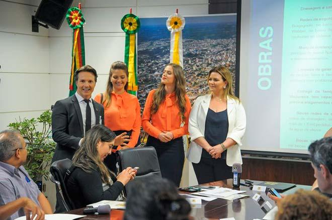 Prefeito de Caxias do Sul recebe candidatas à rainha da Festa da Uva 2019 4 - Prefeito de Caxias do Sul recebe candidatas à rainha da Festa da Uva 2019