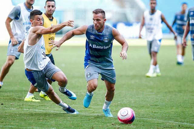 Treino do Grêmio em Porto Alegre 1 - Grêmio busca primeira vitória no Campeonato Estadual