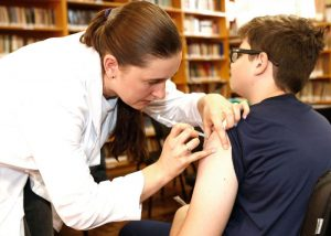 Vigilância Epidemiológica Farroupilha 1 - Vigilância Epidemiológica de Farroupilha aplica mais de 24 mil doses de vacinas em 2017
