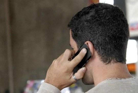 celular - Maioria das casas no Brasil possuem televisão