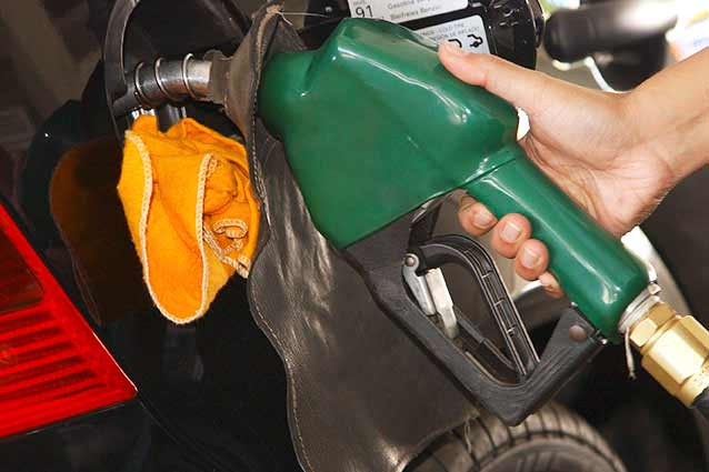 gasolina55 cópia - Petrobras anuncia terceiro aumento da gasolina em fevereiro