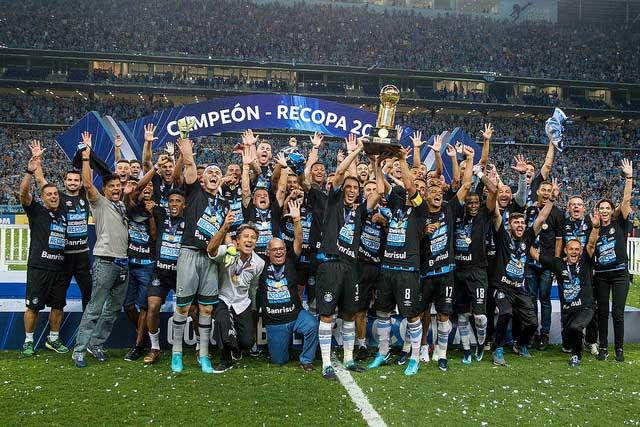 Revista News gremio Grêmio bate Independiente nos pênaltis e é bicampeão da Recopa Sul-Americana