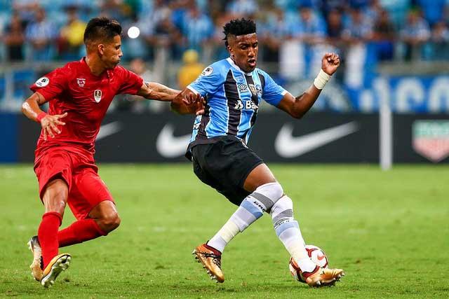 Revista News gremio1 Grêmio bate Independiente nos pênaltis e é bicampeão da Recopa Sul-Americana