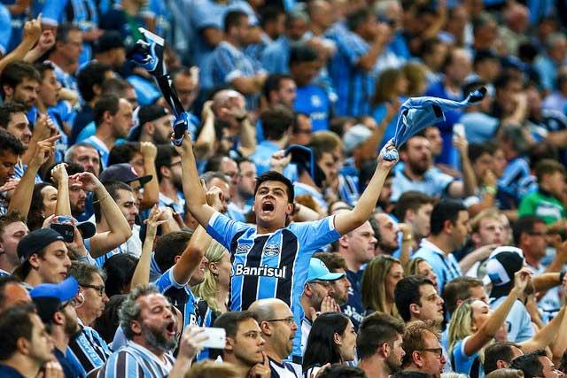 Revista News gremio22 Grêmio bate Independiente nos pênaltis e é bicampeão da Recopa Sul-Americana