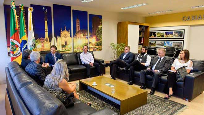 image 1 - Nova diretoria da CIC de Caxias do Sul visita prefeito