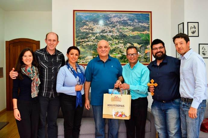 Revista News jordanianos-nova-petropolis Embaixadores da Jordânia visitam Nova Petrópolis
