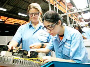 jovem mercado trabalho - Fórum Regional de Aprendizagem em Caxias do Sul
