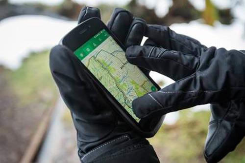 Land Rover lança smartphone com bateria de dois dias de duração