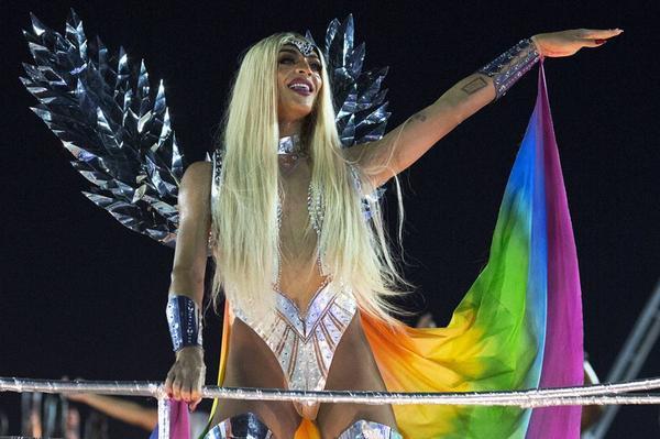 pabllo vittar beija flor - Pabllo Vittar estreia no Carnaval de Salvador