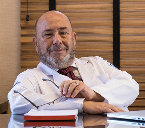 """Augusto Scalabrini Neto cardiologista - Cardiologista do Hospital Sírio Libanês fala sobre colesterol """"bom"""" e """"ruim"""""""