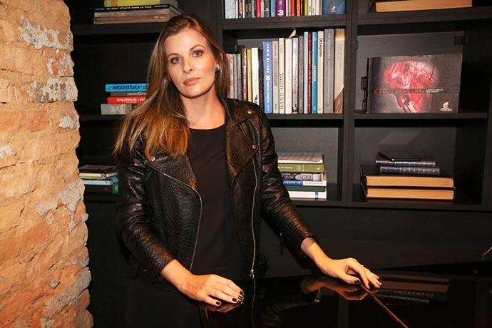 Camila Lamel 03 - Athera conta histórias de mulheres poderosas